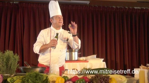 Chefkoch Tobias Schreiber beim Showkochen