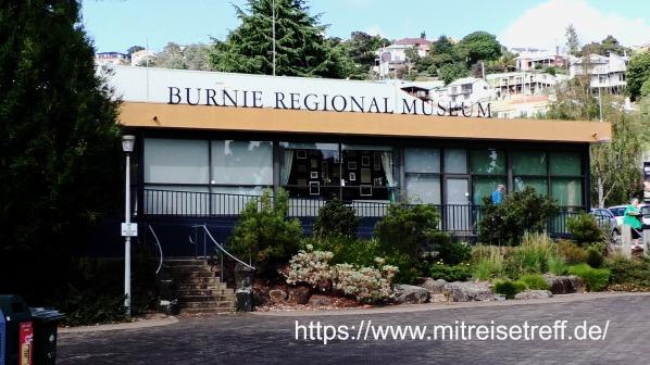 vor dem Burnie Regional Museum