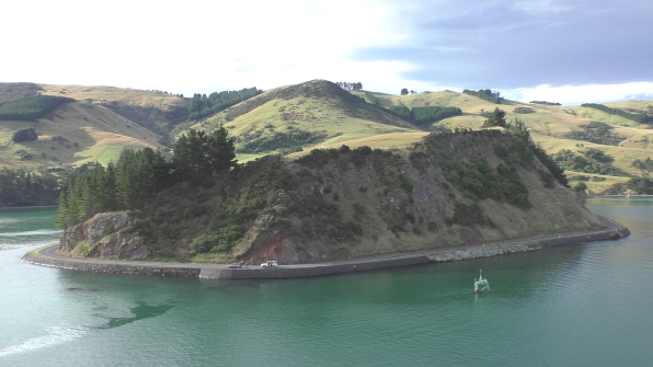 Herrliche Landschaftsaufnahme bei der Abfahrt von Port Chalmers