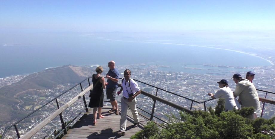 Traumhafter Blick vom Tafelberg auf Kapstadt mit 6 Personen